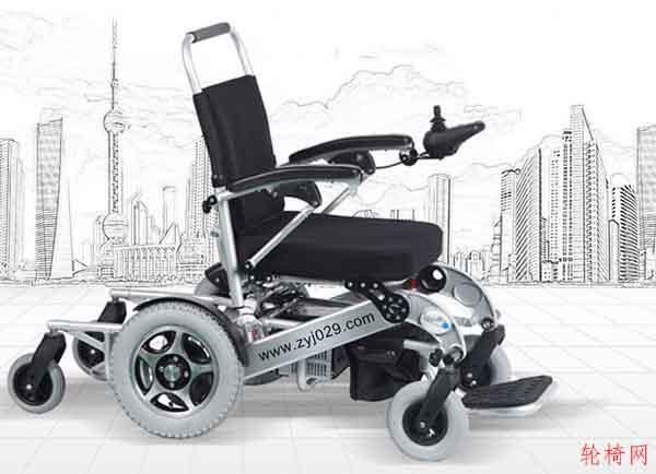 购买老年电动轮椅车应关注哪些方面