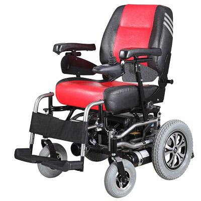老人开电动轮椅交通法规不容蔑视