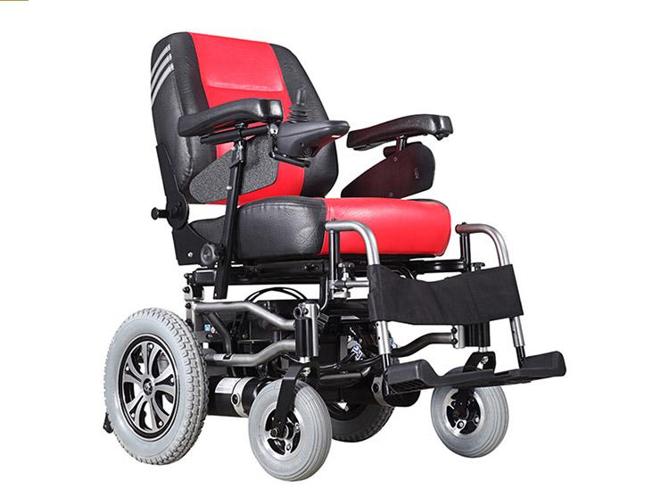 老年人选择电动轮椅车出行代步有哪些优势