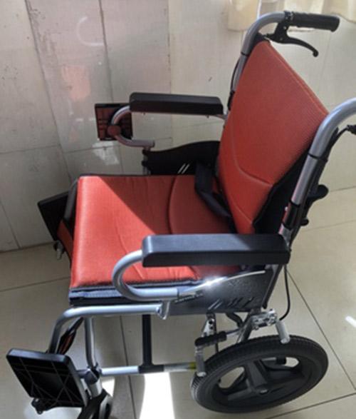 康扬轮椅好用吗,康扬电动轮椅安全吗?