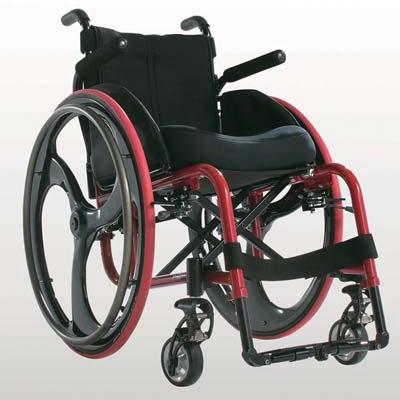 运动轮椅跟一般轮椅的区别