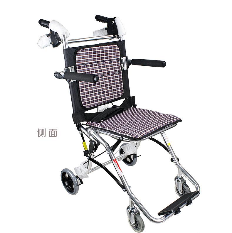 鱼跃轮椅1100铝合金轻便折叠老人残疾人旅行轮椅车侧面实拍图