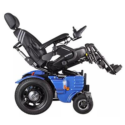 电动轮椅故障老人坠入水库边