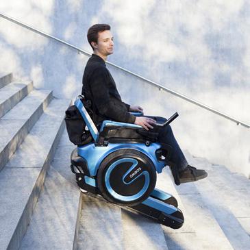 瑞士大学生设计出高科技爬楼电动轮椅Scewo