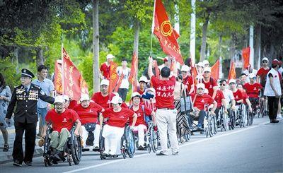 高位截瘫励志小伙讲述轮椅旅行故事