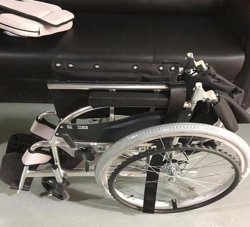 手动轮椅如何使用