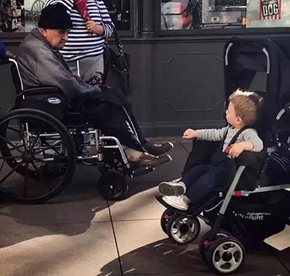 有趣的轮椅图片