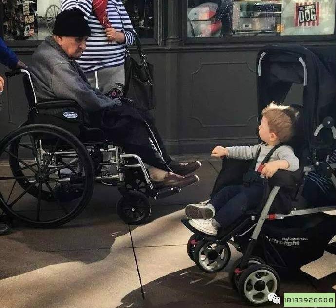 老人为什么一定要有一台自己的电动轮椅