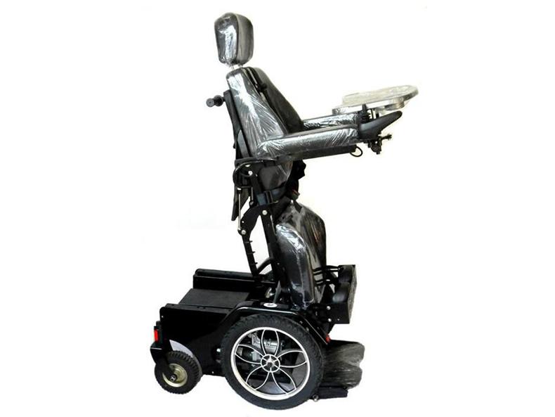 智维电动轮椅EW8700站立式电动轮车站立效果图