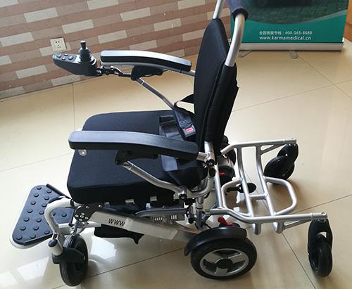 老人使用电动轮椅的诸多好处